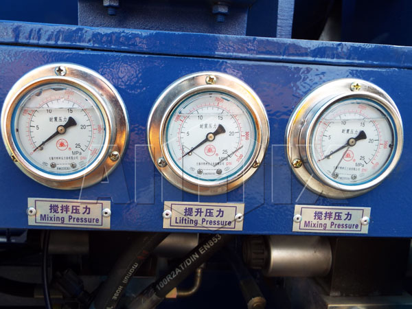 Vibration-proof pressure gauge