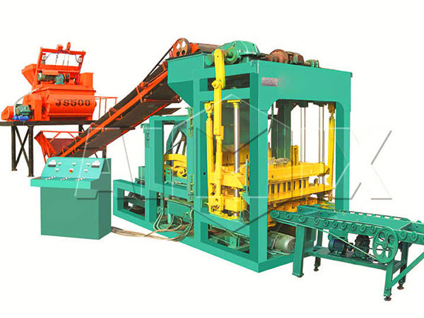 QT4-25 interlocking tiles machine