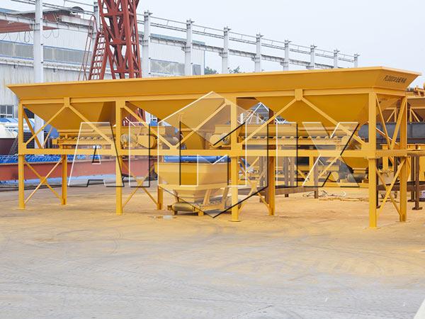 three silos aggregate batcher