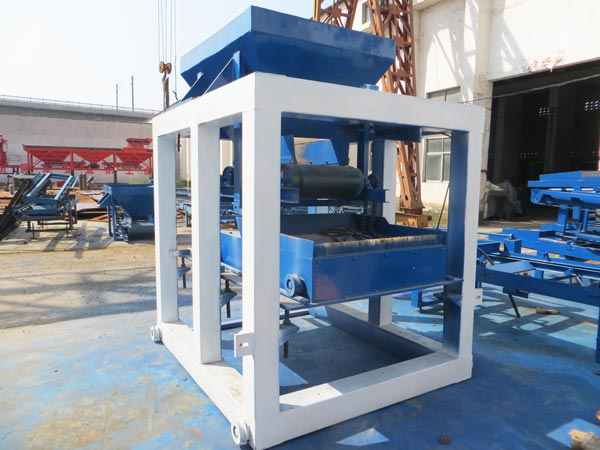 ABM-10S concrete block machine in Pakistan