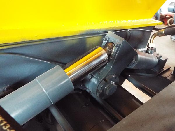 swing arm oil cylinder
