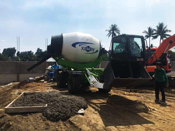 working site of self loading mixer