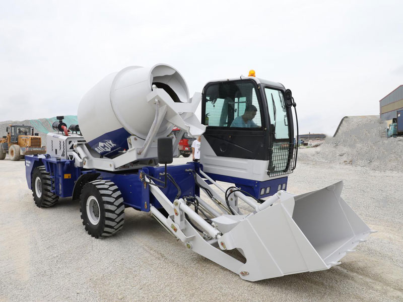 2.6 self loading concrete mixer
