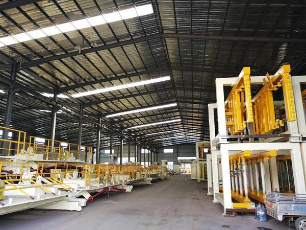China hollow brick machine factory