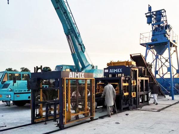 Máquina para fabricar tijolos ocos ABM-8S no Paquistão