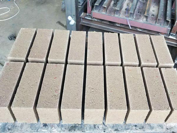 concrete blocks produced by ABM-4SE semi automatic block machine