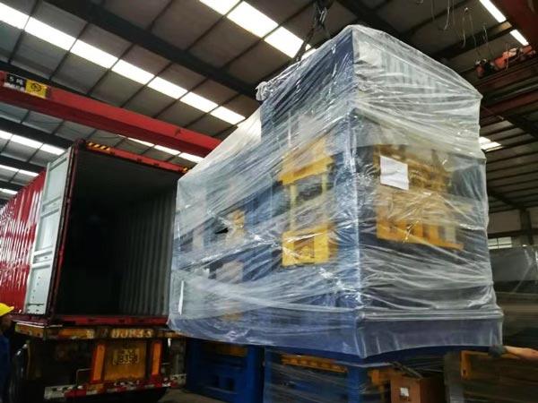 shipment of ABM-4SE semi automatic interlocking block machine