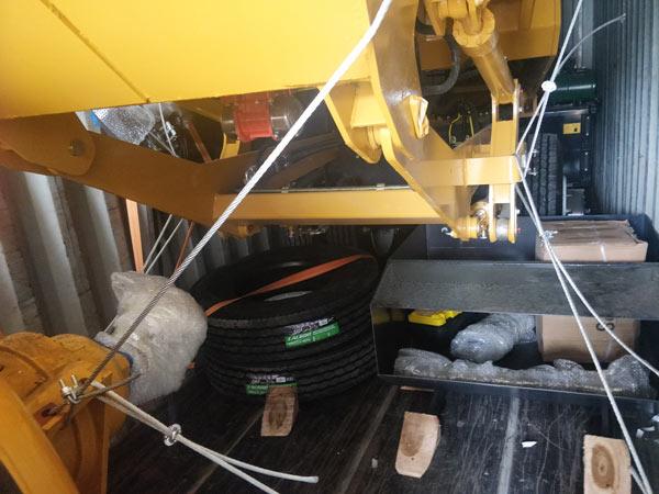 shipment of self loading mixer