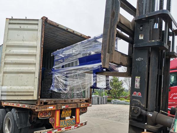 shipment of ABM-3S hydraulic block machine Honduras