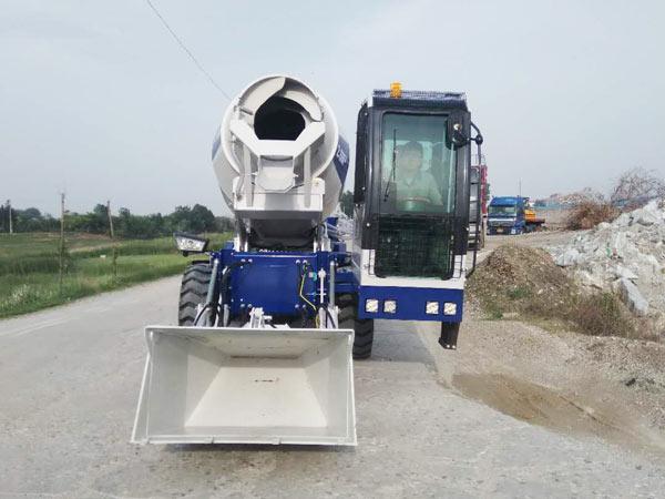 2.6 cub self loading concrete mixer