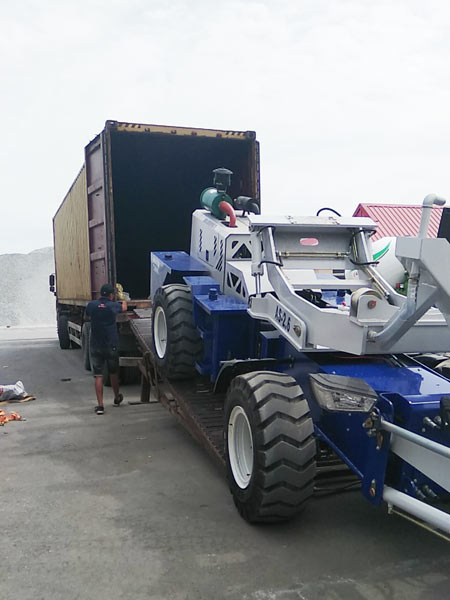self loading concrete mixer to Kazakhstan