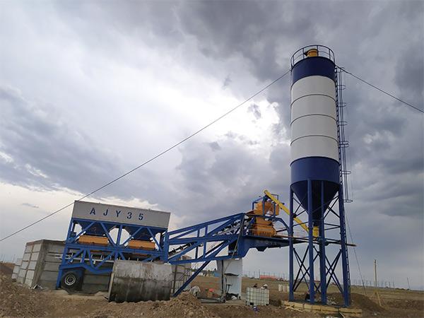 AJY-35 Mobile batching plant in Uzbekistan