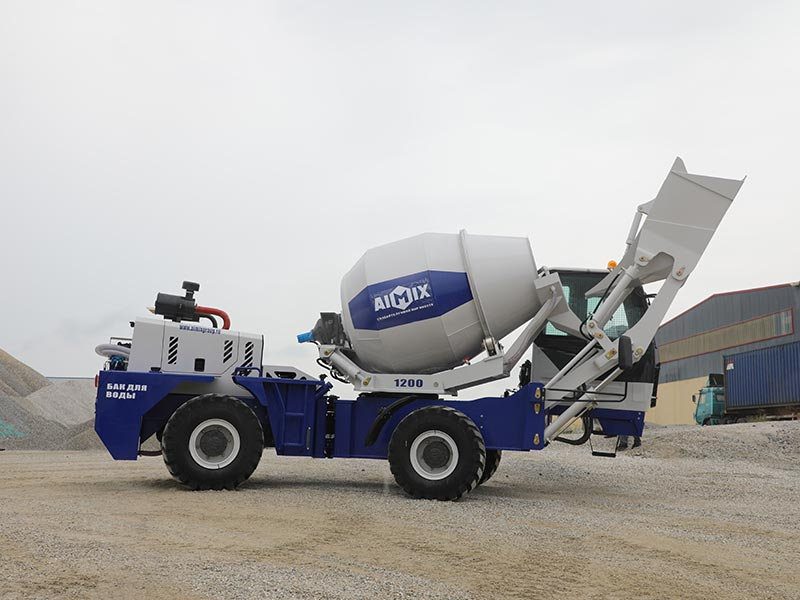 1.2 cub self loading mobile concrete mixer
