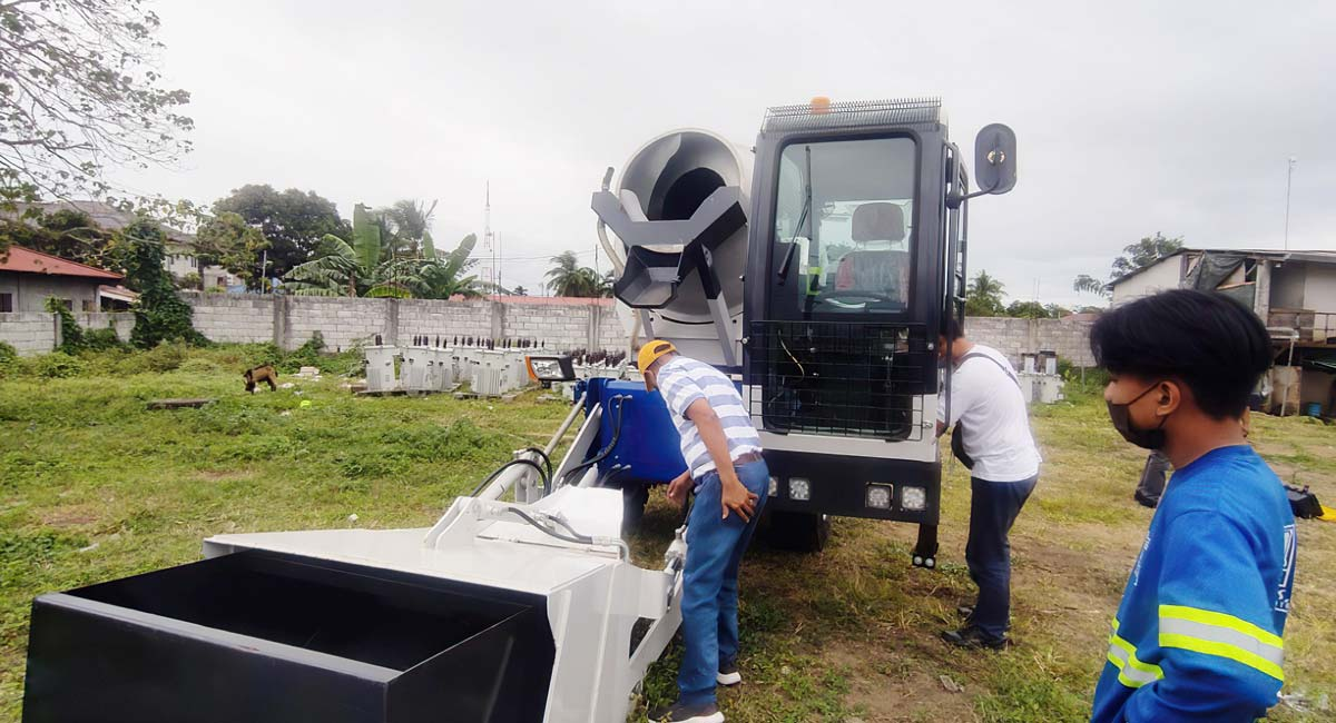 check AS-1.8 self-loading concrete mixer